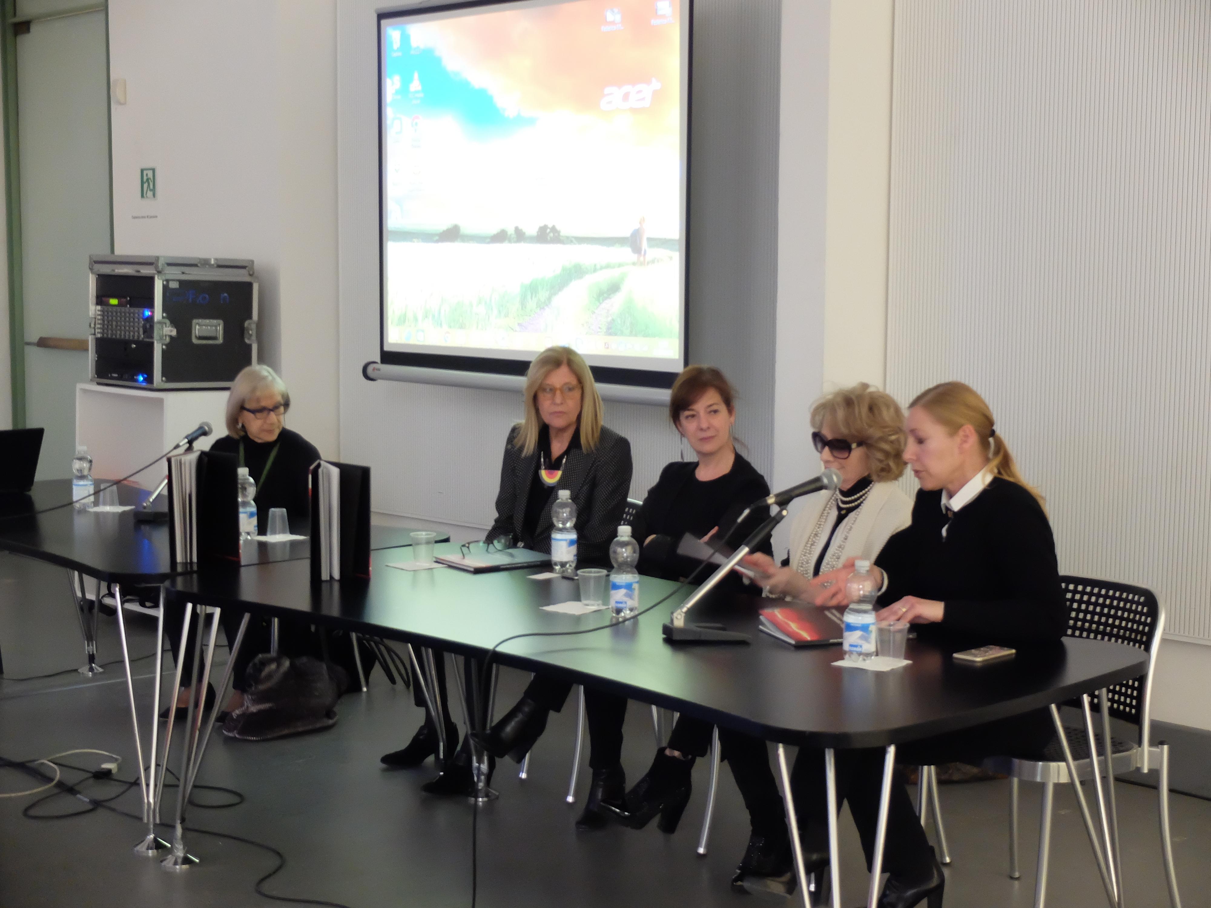 Alla triennale di milano presentazione del libro di for Design della moda politecnico milano opinioni